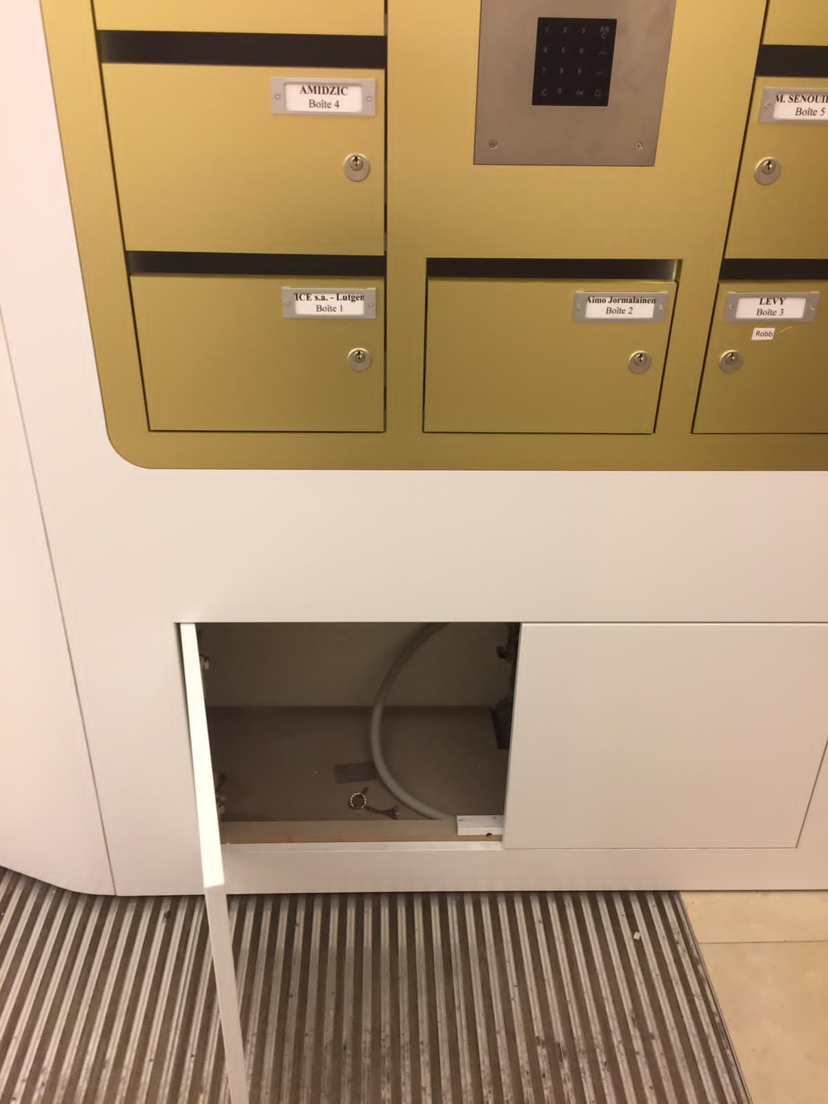 cacher clef sous boîte aux lettres